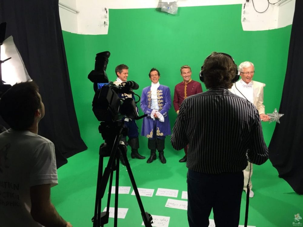 Painting Pixels Green Screen Studio With Cast - London Ipswich Suffolk - Video Production